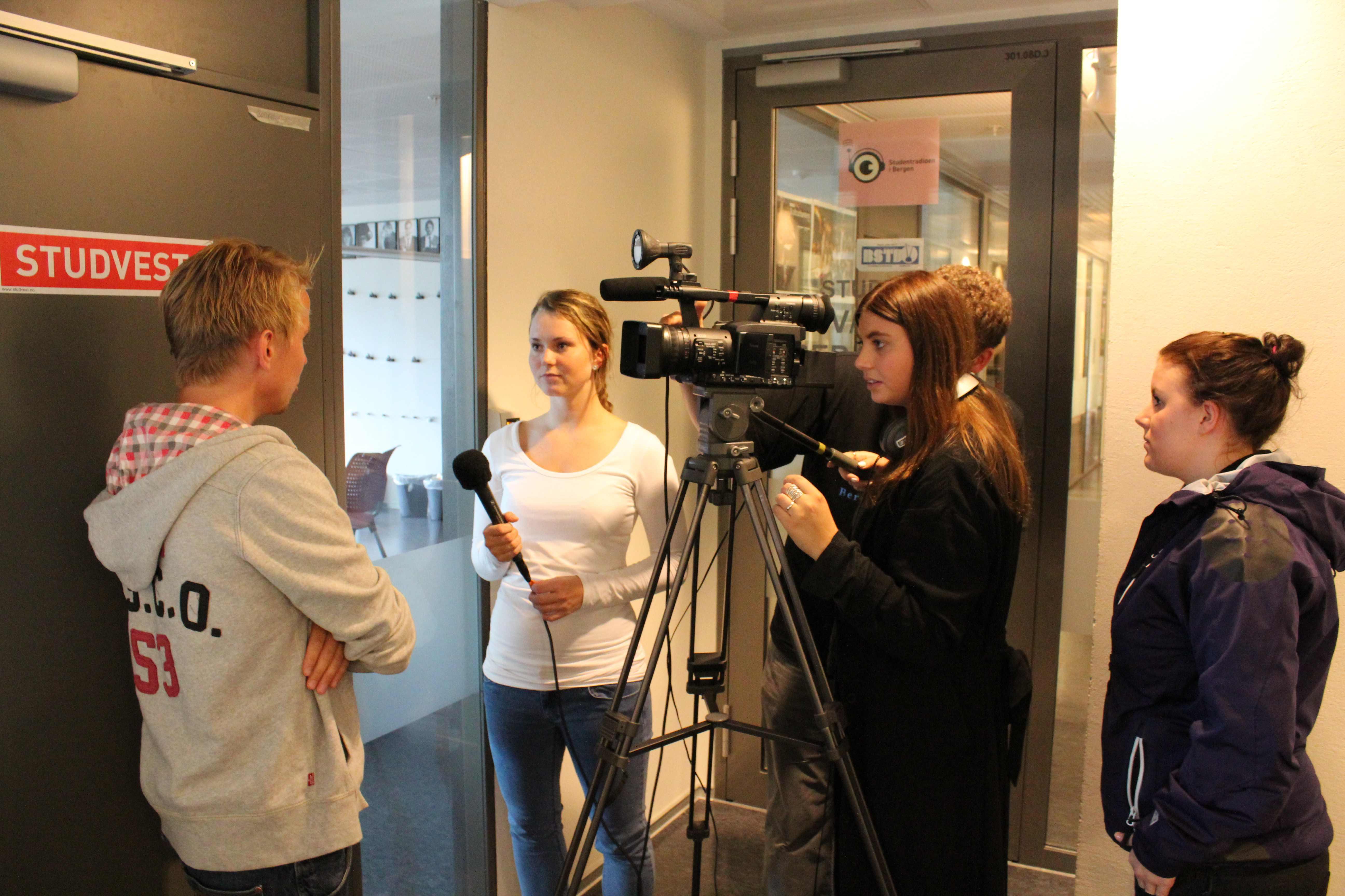 Bergen Student-TV satte ny rekord i antall søkere dette semesteret. Mange vil også prøve seg i Studvest og Student-radioen.